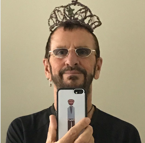 Ringo Starr anobli par la Reine