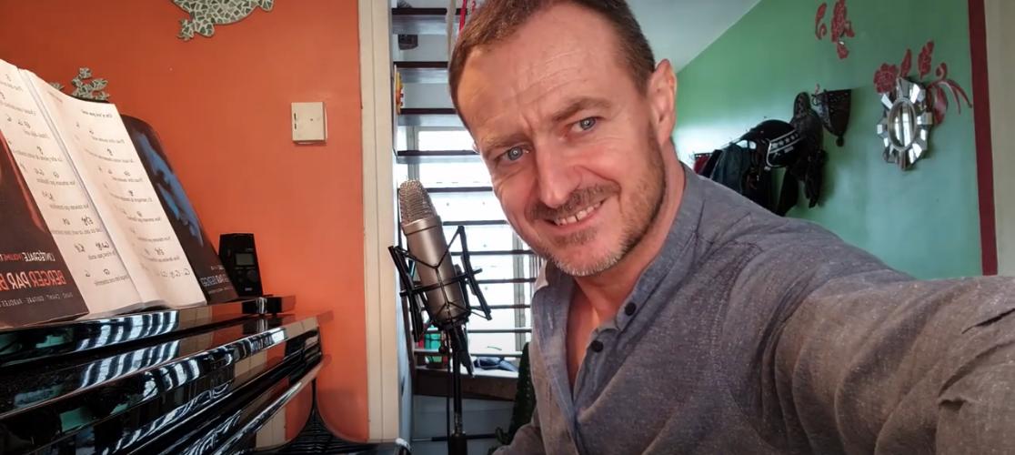 Le batteur des Fatals Picards rend hommage à Michel Berger